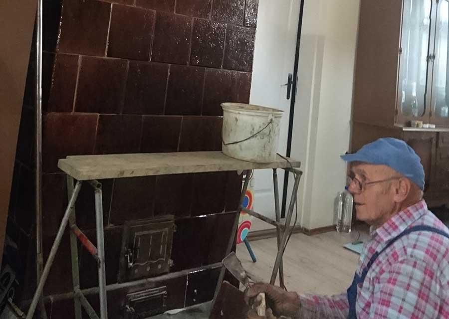 Vesa Jakonić majstor za kaljeve peći