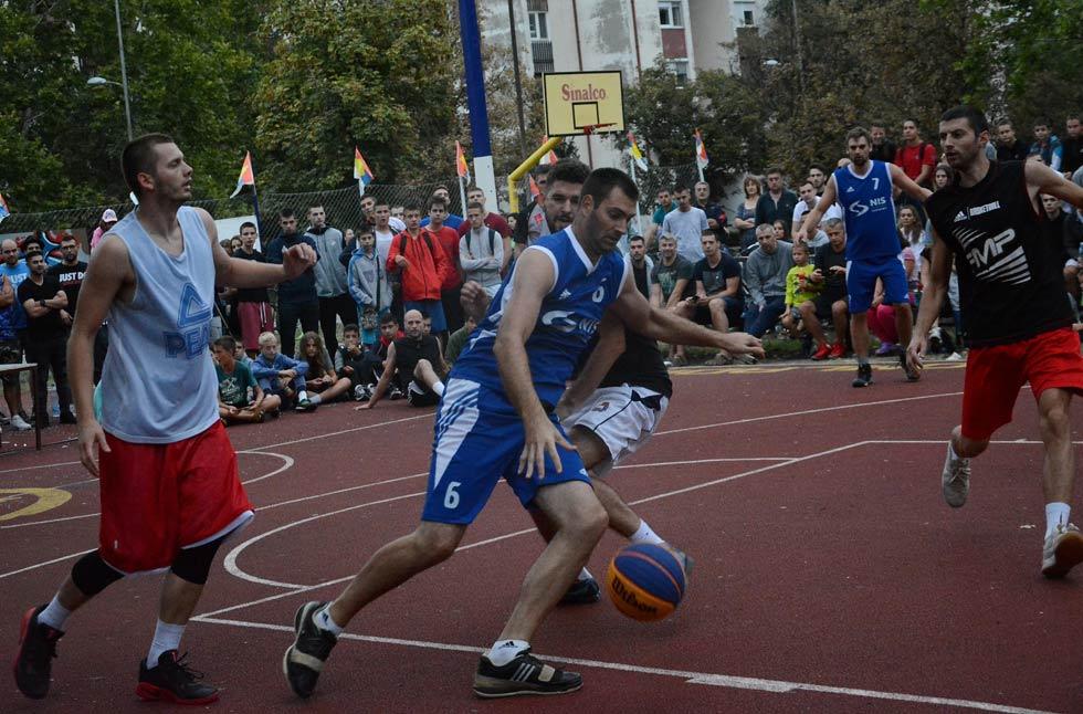 humanitarni turnir u basketu