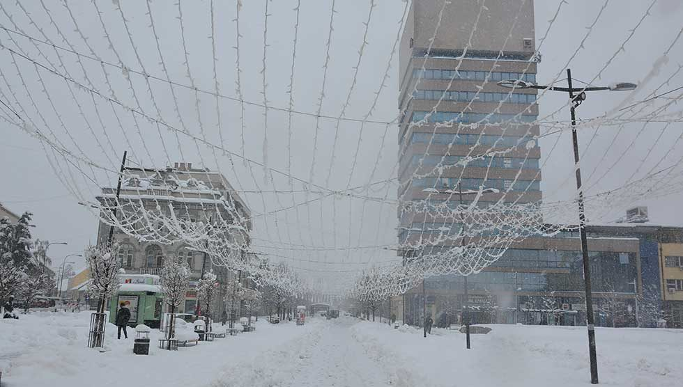 snežni pokrivač debljine 35 centimetara