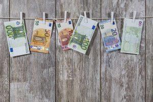 broj falsifikovanih novčanica