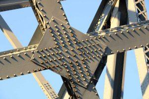 na mostu