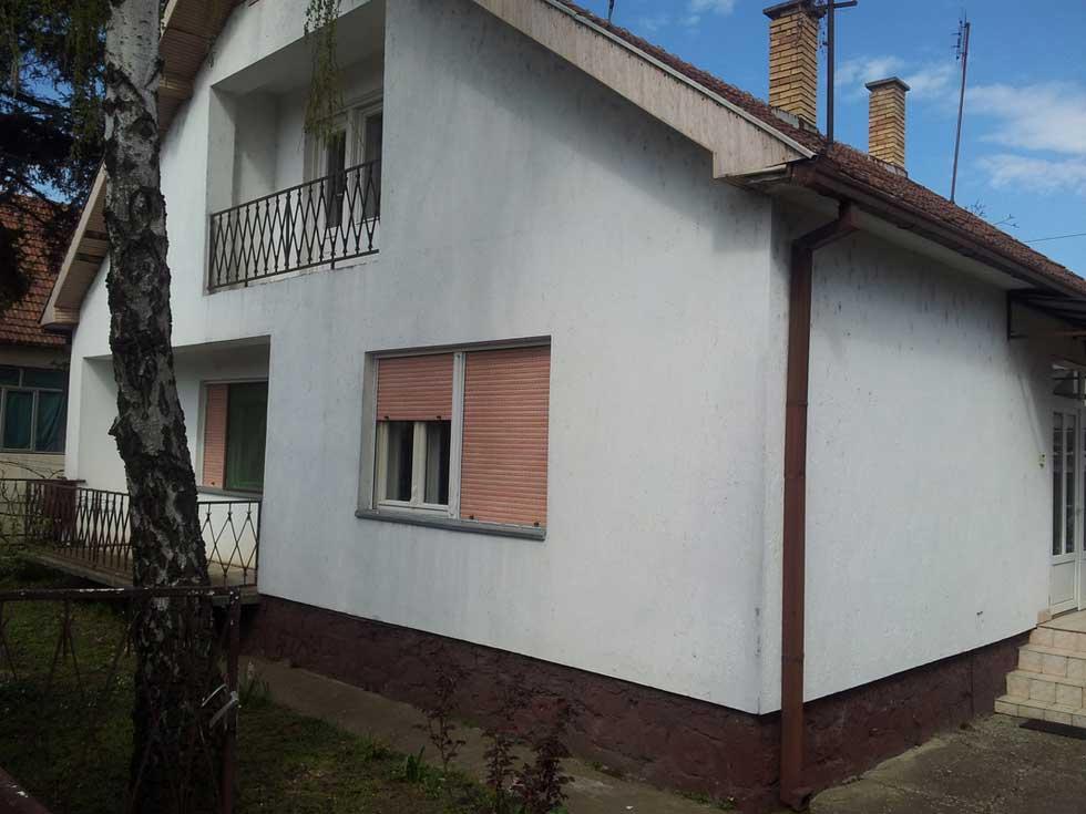 petosobna kuća