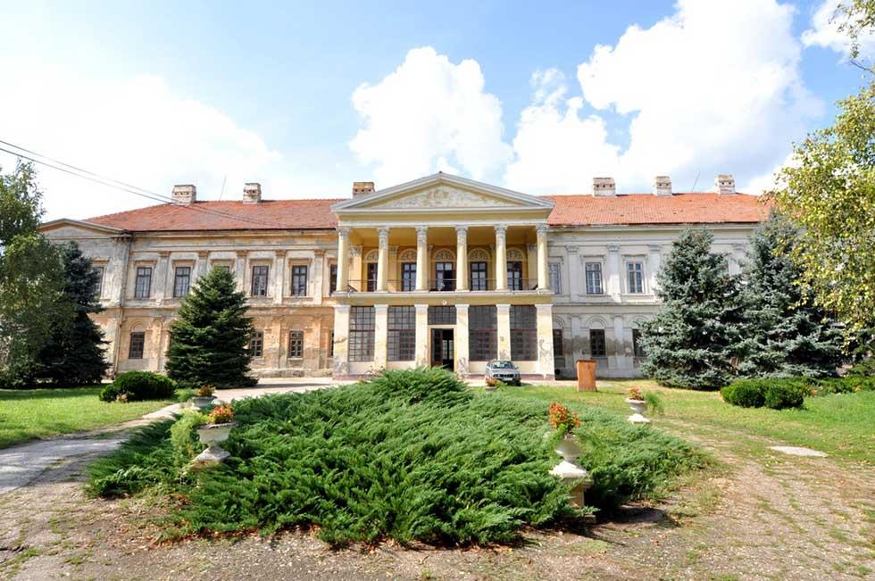 dvorac karačonji