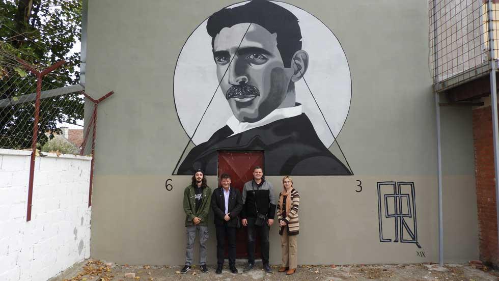 mural sa likom nikole tesle