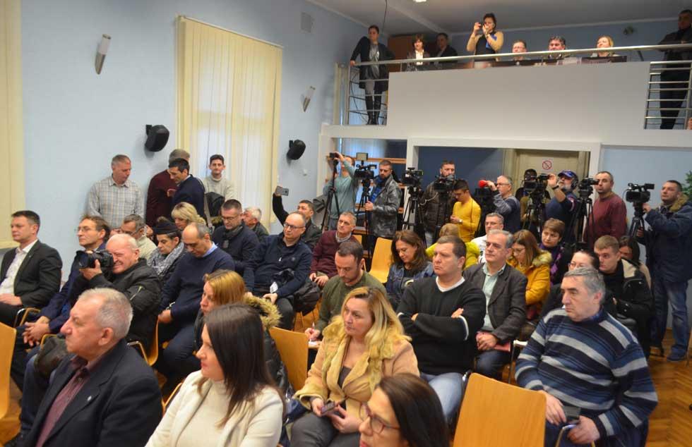 čedomir janjić održao konferenciju za novinare
