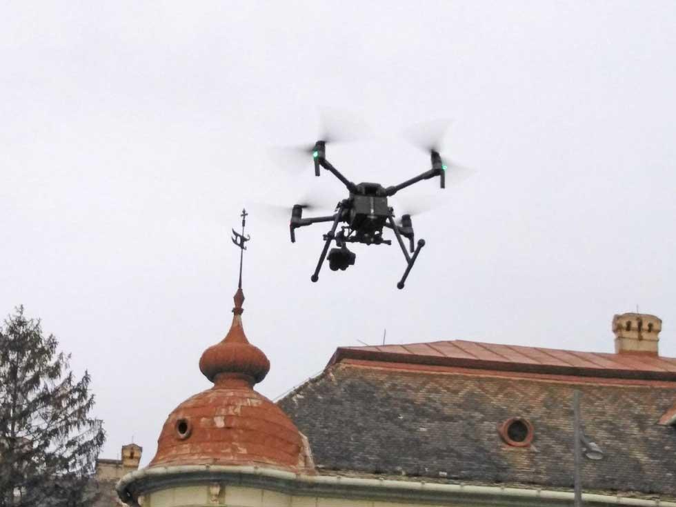 specijalni dron