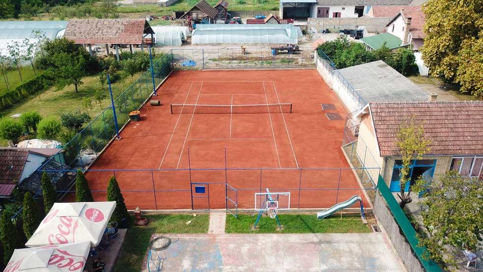 teniski klub trending