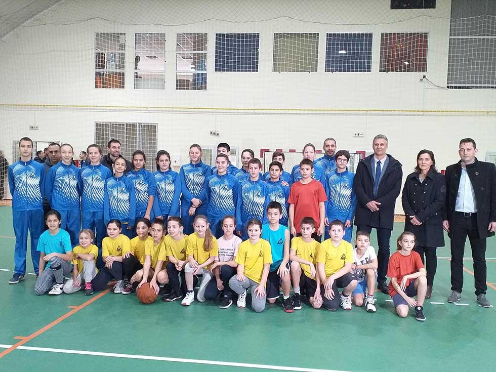 izgradnja sportskog terena u srpskoj crnji