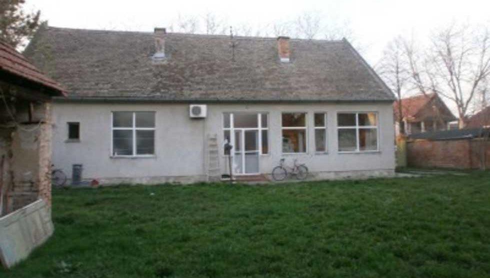 troiposobna kuća