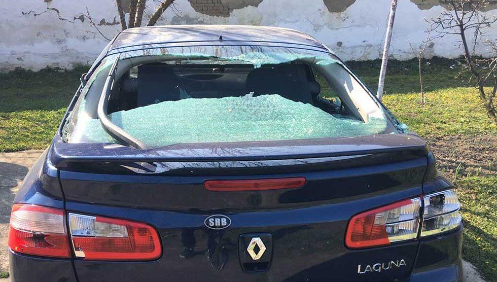 demoliran automobil