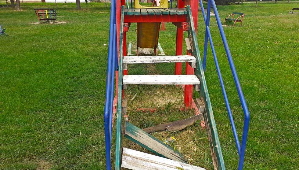 dečijem igralištu u elemiru potrebna rekonstrukcija