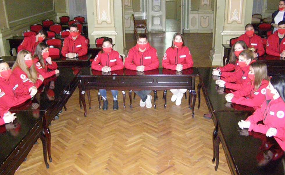 volonteri crvenog krsta