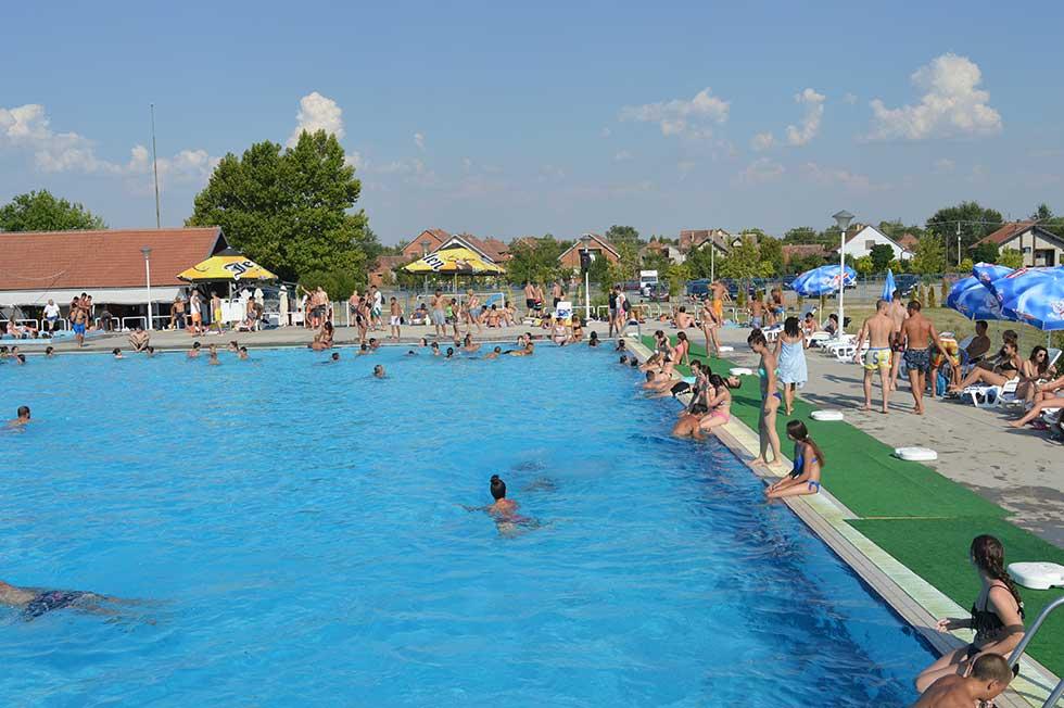 bazen u srpskoj crnji