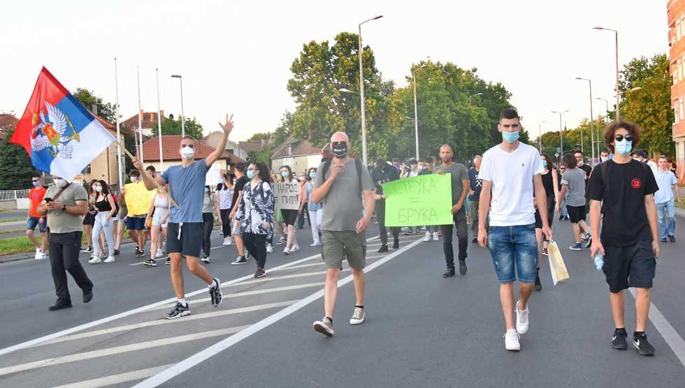 učesnici protesta