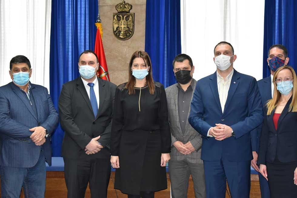 ministarska irena vujović potpisala ugovore