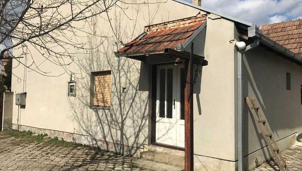 trosobna kuća u naselju 4. jul