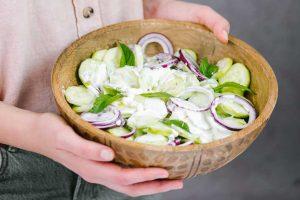 salata sa krastavcima