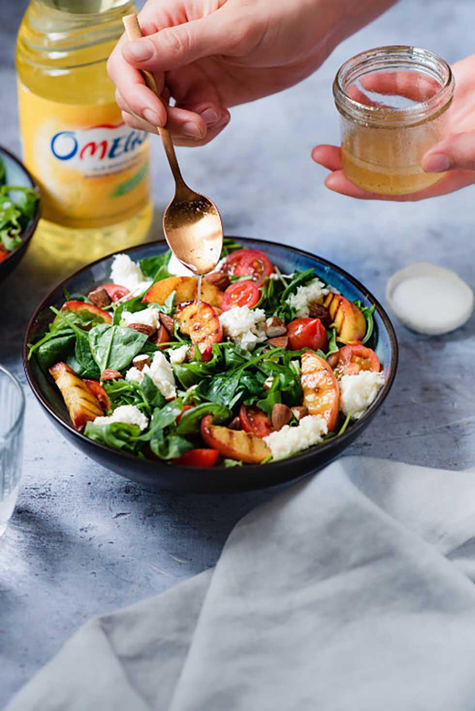 salata sa grilovanim breskvama