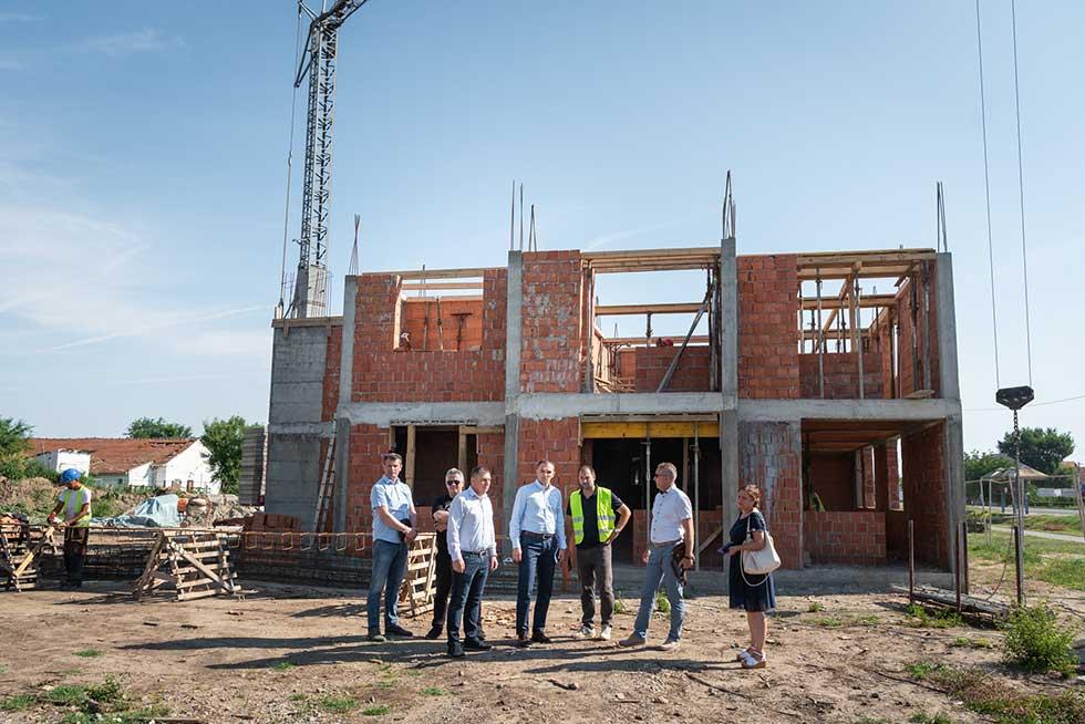 radovi na izgradnji izbegličkih stanova u kleku