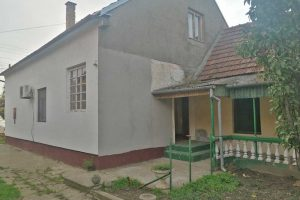 četvorosobna kuća u naselju duvanika