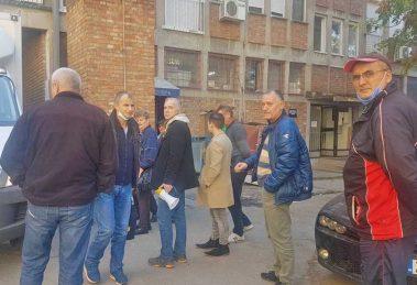 radnici srpske fabrike stakla